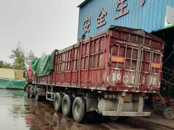 节假日,下雨天都在加班加点的发货。